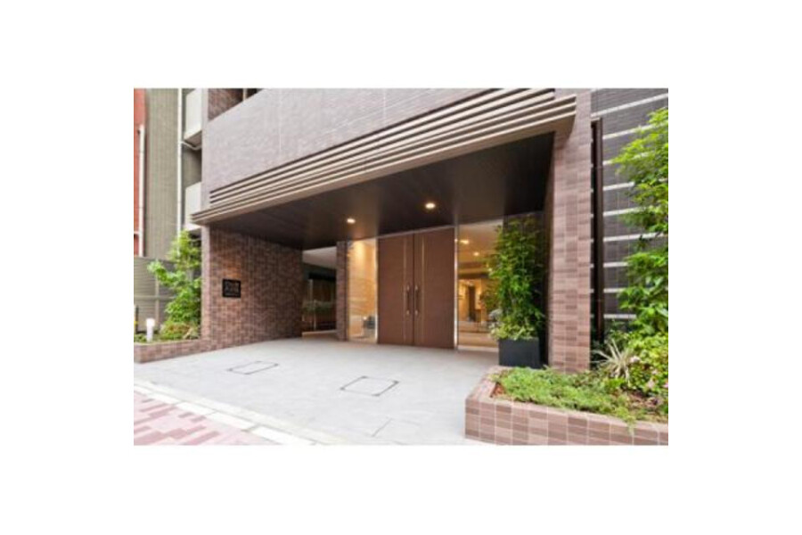 2DK Apartment to Rent in Taito-ku Building Entrance