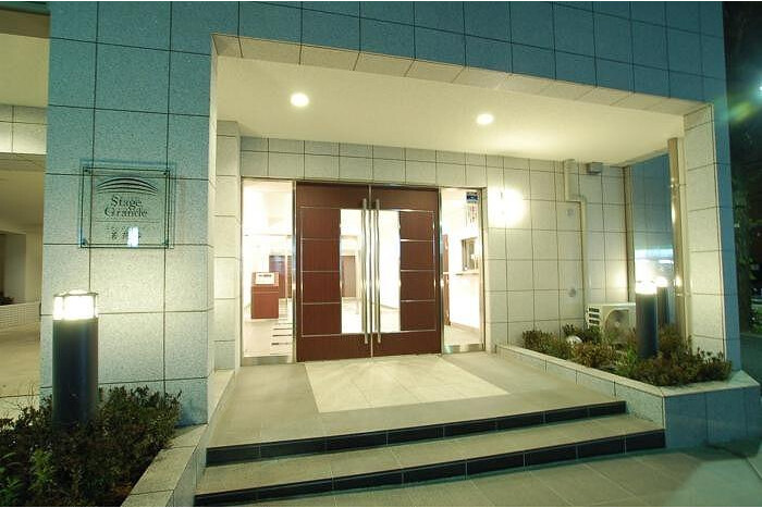 1K Apartment To Rent In Bunkyo Ku Entrance Hall