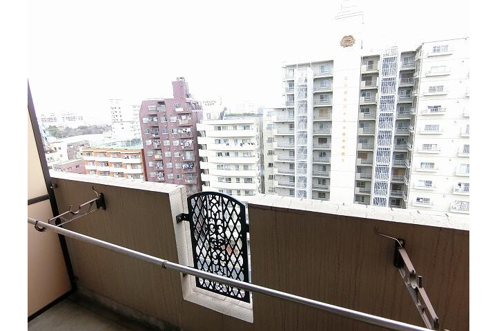 1K Apartment to Rent in Ota-ku Balcony / Veranda