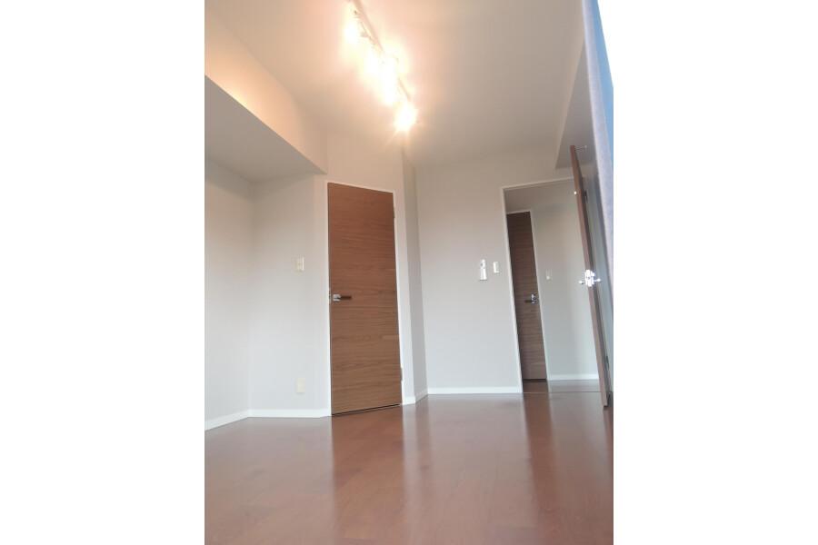 2LDK Apartment to Buy in Shinjuku-ku Outside Space