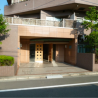 3LDK Apartment to Rent in Minato-ku Building Entrance