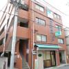 2K Apartment to Rent in Meguro-ku Building Entrance