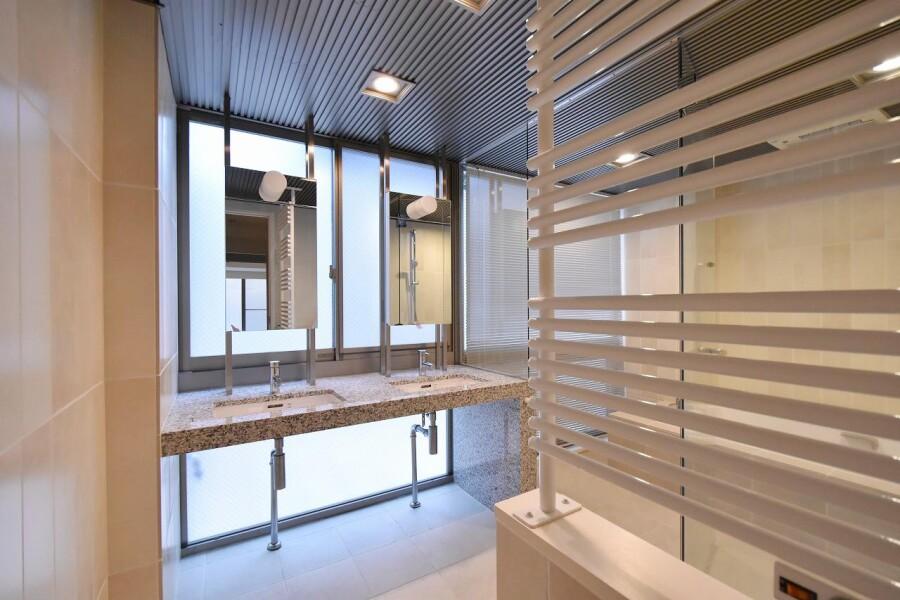 7LDK House to Buy in Shibuya-ku Washroom