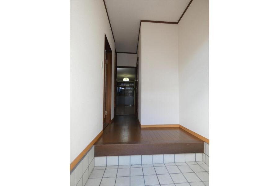 4LDK House to Buy in Kyoto-shi Yamashina-ku Entrance
