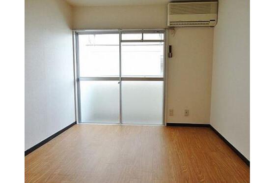 在Nagoya-shi Meito-ku購買(整棟)樓房 公寓的房產 起居室