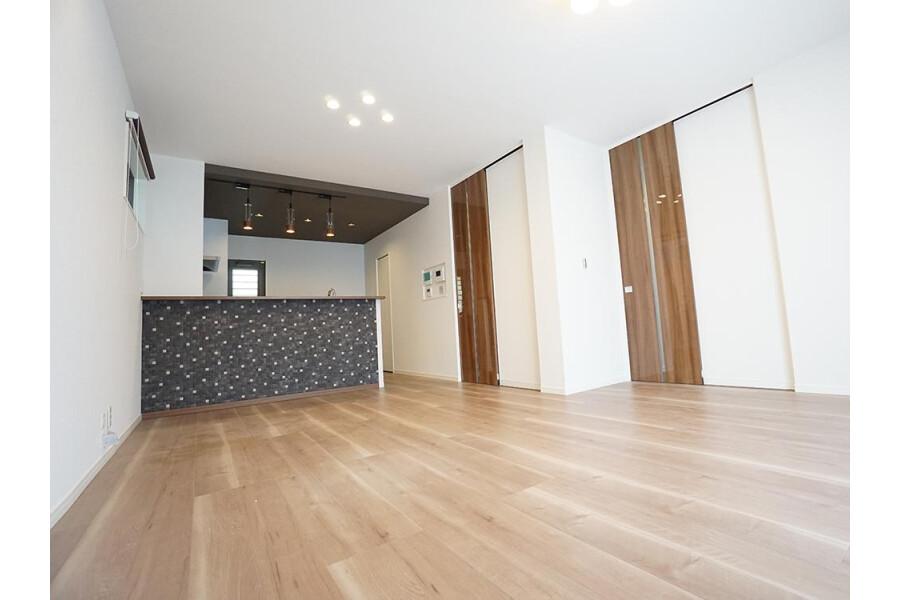 在Komae-shi購買3LDK 獨棟住宅的房產 起居室