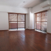 2LDK Apartment to Rent in Chiyoda-ku Living Room