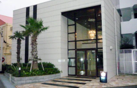 3LDK Mansion in Higashiuraga - Yokosuka-shi