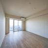 在江東區購買2LDK 公寓大廈的房產 起居室