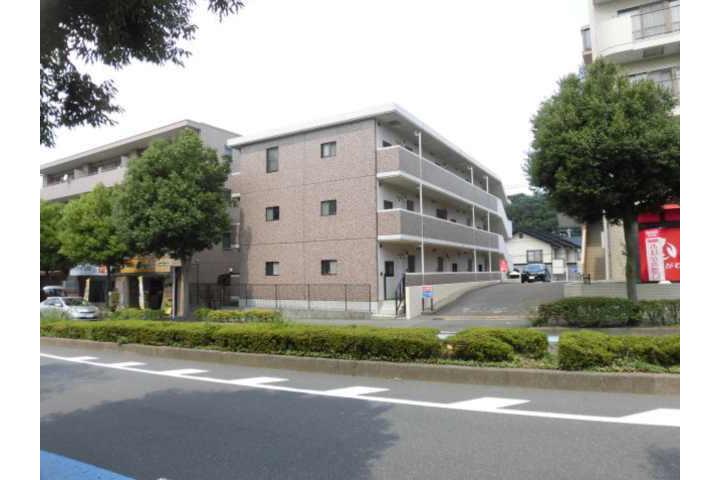 2DK Apartment to Rent in Yokohama-shi Tsuzuki-ku Exterior