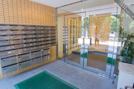 Private Apartment to Rent in Nerima-ku Entrance Hall