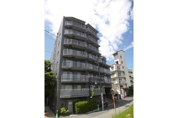 4LDK Apartment to Rent in Setagaya-ku Exterior