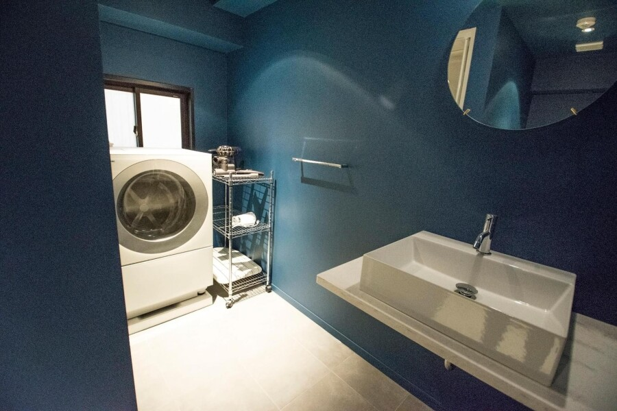 1DK Serviced Apartment to Rent in Shibuya-ku Washroom