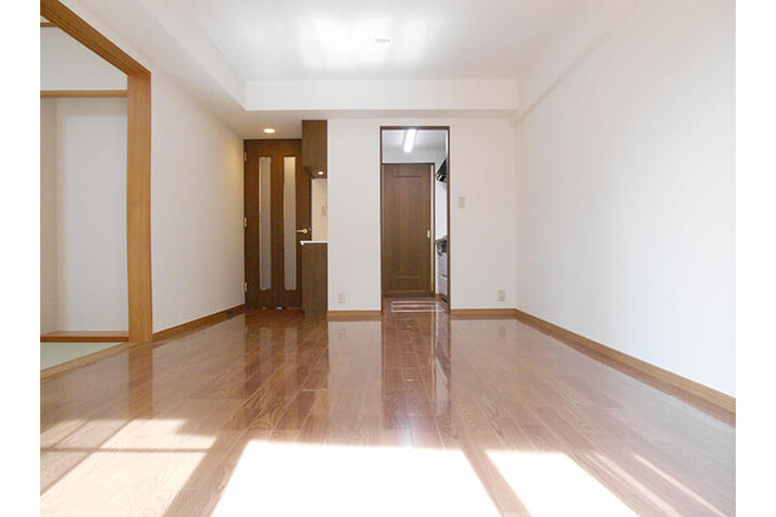 2SLDK Apartment to Buy in Yokohama-shi Kohoku-ku Exterior
