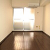 1K Apartment to Rent in Yokohama-shi Kanagawa-ku Room