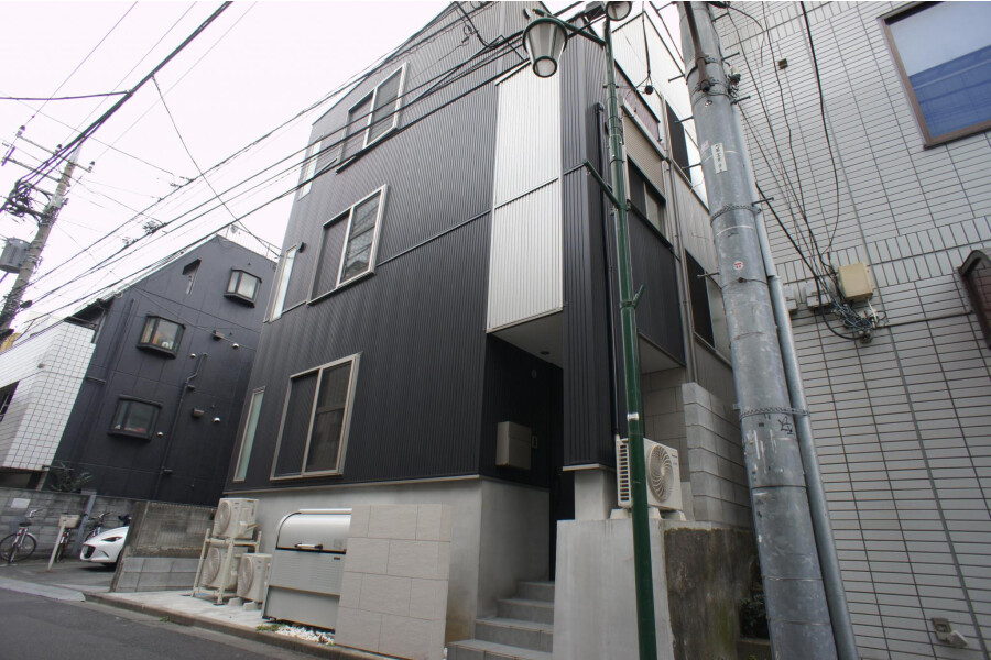 Shared Guesthouse to Rent in Nerima-ku Exterior