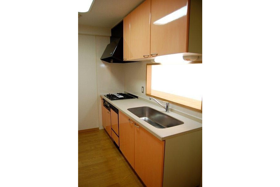 2LDK Apartment to Rent in Suginami-ku Interior