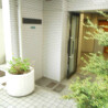 1R Apartment to Rent in Meguro-ku Building Entrance