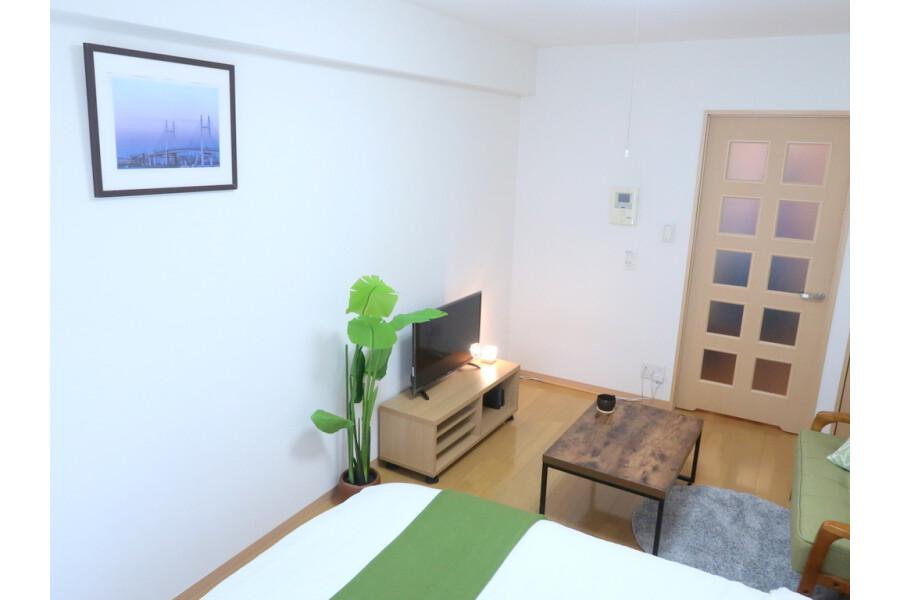 1K Apartment to Rent in Yokohama-shi Kohoku-ku Room