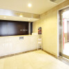 1K Apartment to Rent in Suita-shi Entrance Hall