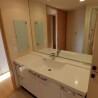 3LDK Apartment to Rent in Meguro-ku Washroom