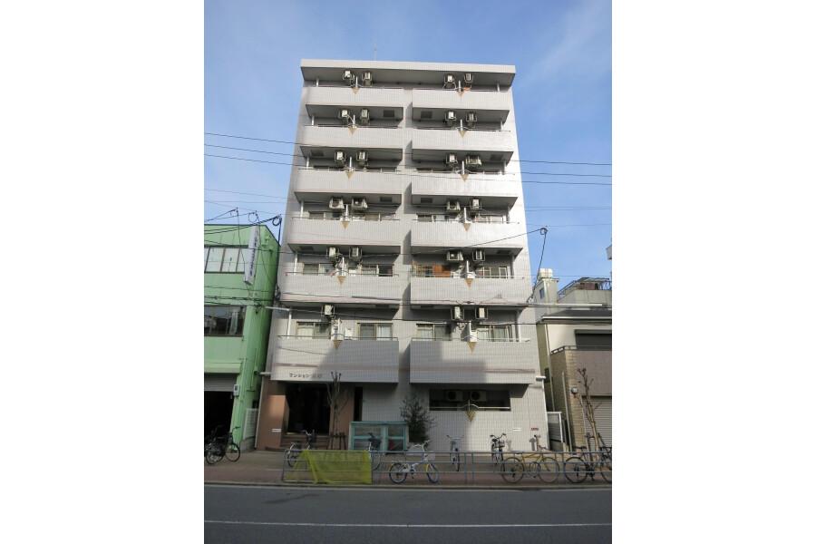 1K Apartment to Rent in Osaka-shi Minato-ku Exterior