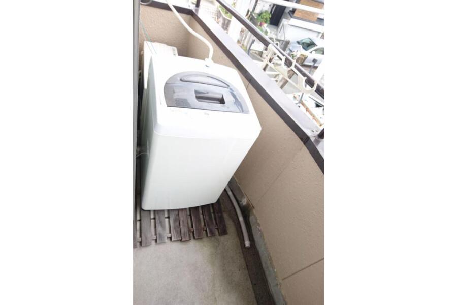 1K Apartment to Rent in Ibaraki-shi Balcony / Veranda