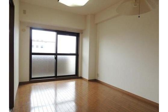 2LDK Apartment to Buy in Kyoto-shi Shimogyo-ku Bedroom