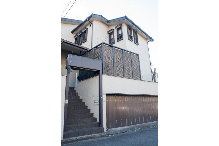 Private House to Rent in Setagaya-ku Entrance Hall