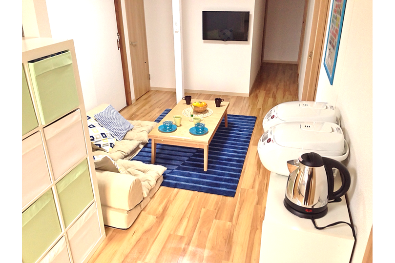 Private Guesthouse to Rent in Ota-ku Common Area