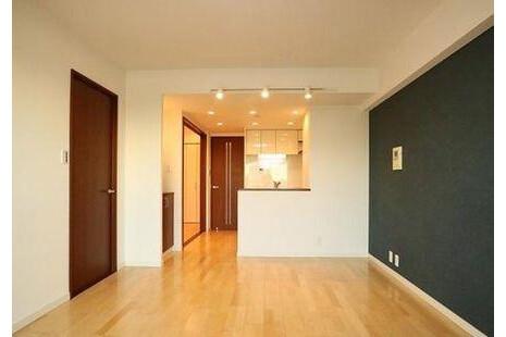 3LDK Apartment to Buy in Shinagawa-ku Living Room