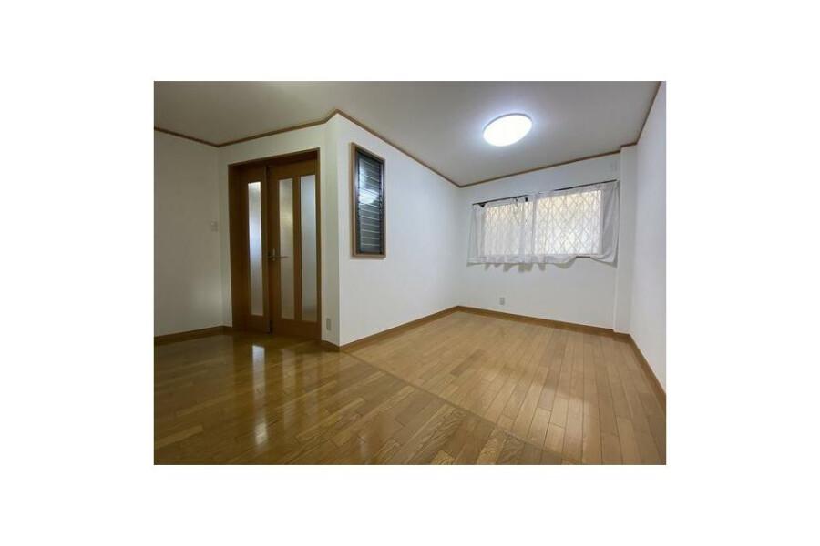 2SLDK House to Buy in Sakai-shi Kita-ku Living Room