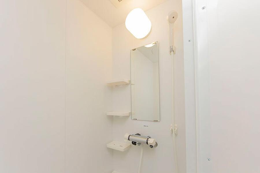 Private Guesthouse to Rent in Nerima-ku Bathroom