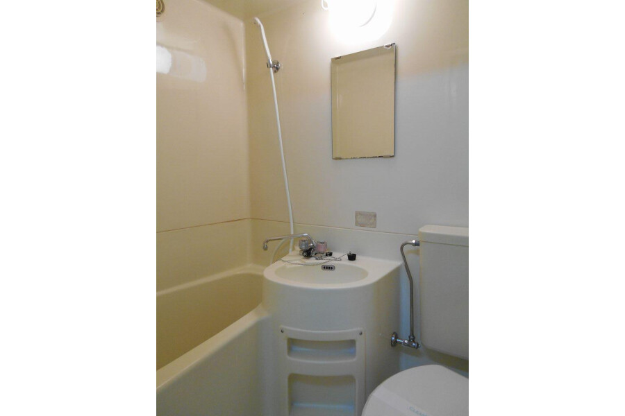 1R Apartment to Rent in Hino-shi Bathroom