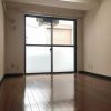 1R Apartment to Rent in Bunkyo-ku Living Room