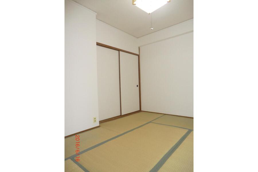 1R Apartment to Rent in Ibaraki-shi Interior