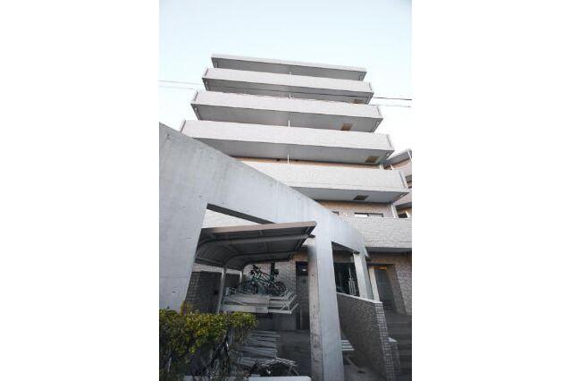 3LDK Apartment to Buy in Yokohama-shi Asahi-ku Exterior