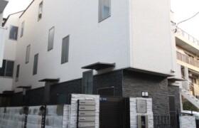 港区 南青山 1R アパート
