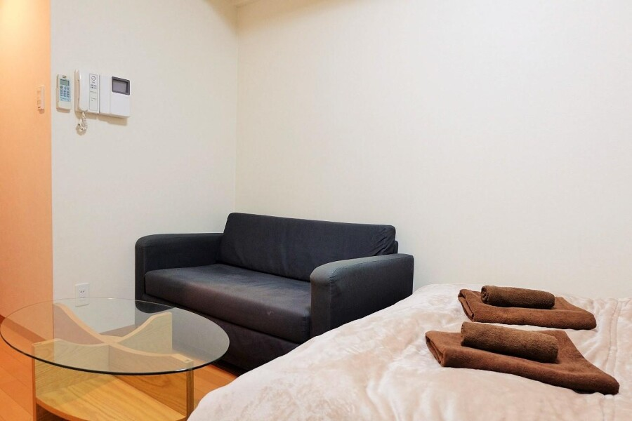 1K Apartment to Rent in Osaka-shi Kita-ku Bedroom