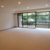 4LDK Apartment to Rent in Minato-ku Living Room
