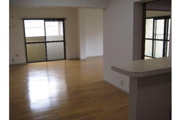 4LDK Apartment to Rent in Nagoya-shi Meito-ku Living Room