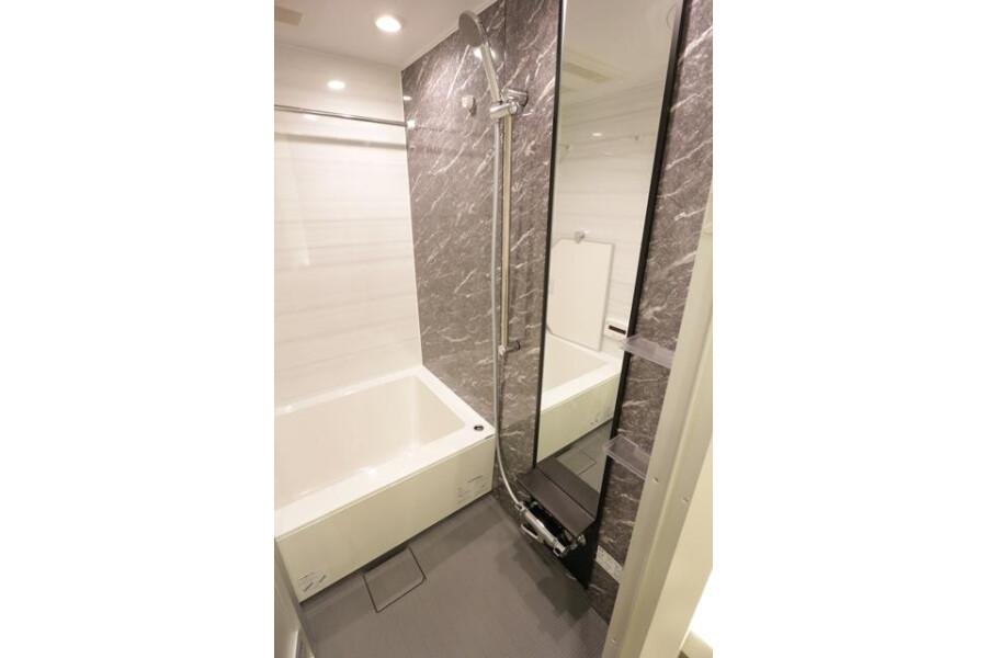 1K Apartment to Buy in Chuo-ku Bathroom