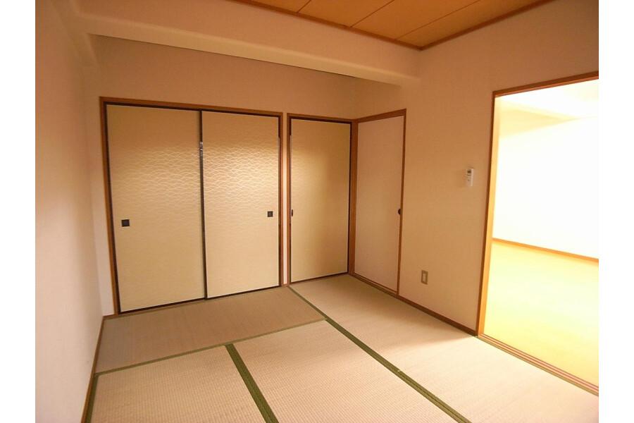 2LDK Apartment to Rent in Sagamihara-shi Minami-ku Bedroom