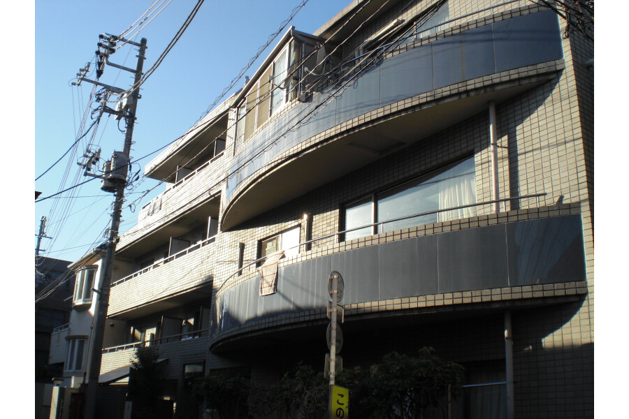 2K Apartment to Rent in Nakano-ku Exterior