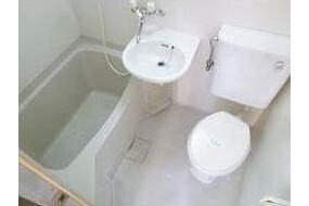 1R Apartment to Rent in Osaka-shi Abeno-ku Bathroom
