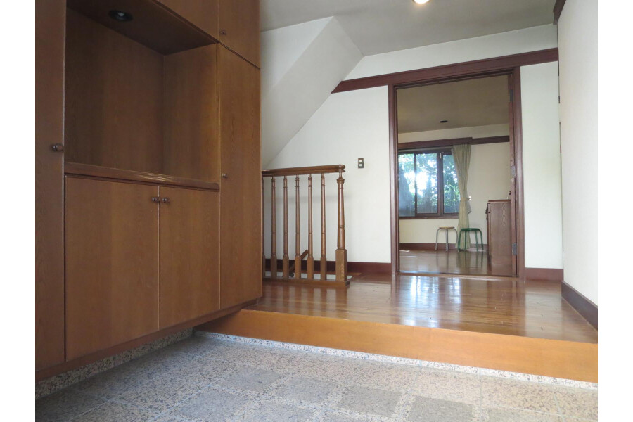 6SLDK House to Rent in Ota-ku Entrance