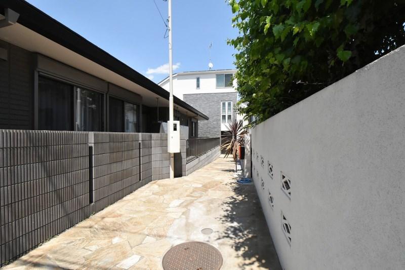 2LDK House to Buy in Meguro-ku Exterior