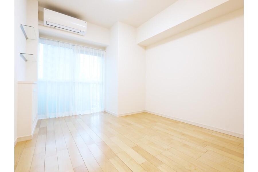 2LDK Apartment to Buy in Bunkyo-ku Bedroom