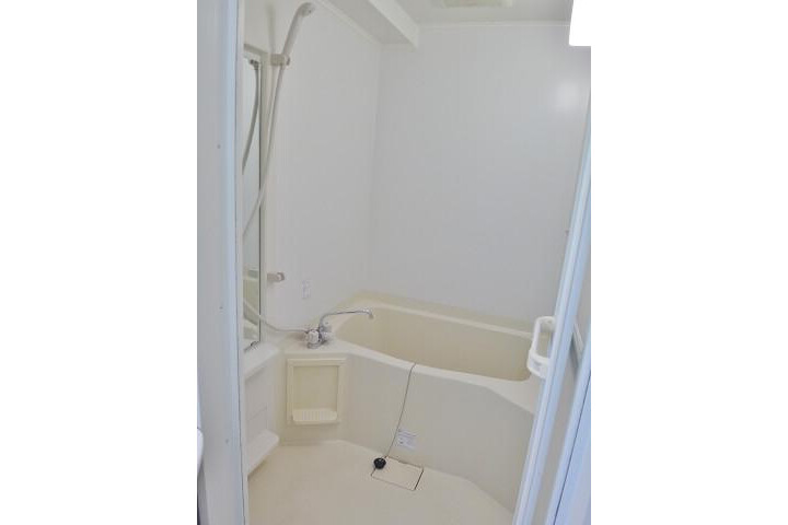 1K Apartment to Rent in Osaka-shi Naniwa-ku Bathroom