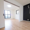 在川口市購買4LDK 獨棟住宅的房產 起居室
